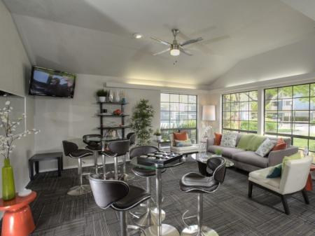 Resident Lounge | Apartments In Davis | The Edge