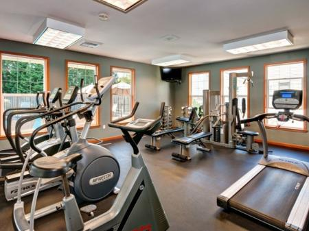 Resident Fitness Center | Apartment In Renton | Springbrook Apartments