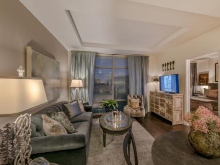 Residents Lounging in the Living Area | Apartments Bethesda MD | Pallas at PikeRose