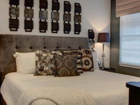 Elegant Bedroom | One Bedroom Apartments In Orlando FL |