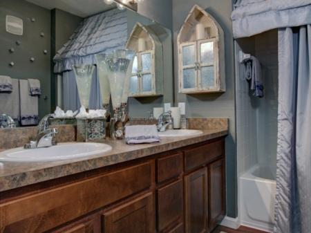 Elegant Bathroom | Apartments In Orlando FL |
