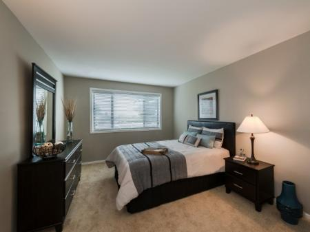 Luxurious Bedroom | Luxury Apartments In Silver Spring MD | Rollingwood