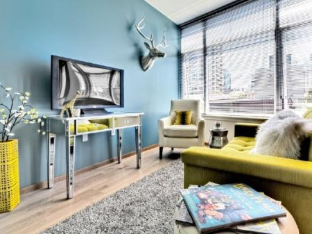 Spacious Living Room | Luxury Apartments In Seattle | 206 Bell