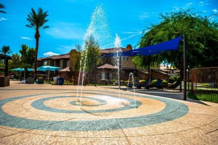 Expansive Grounds | Ahwatukee Apartments | Verano Townhomes