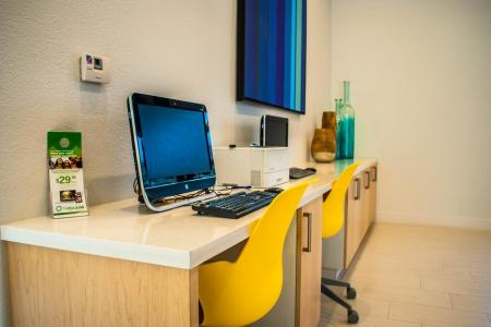 Resident Business Center | Ahwatukee Apartments | Verano Townhomes