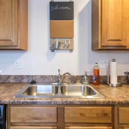 Spacious Kitchen | Junction City Apartments | Patriot Pointe Townhomes