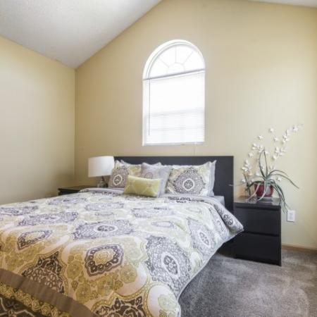 Elegant Master Bedroom | Apartment Homes In Junction City | Patriot Pointe Townhomes