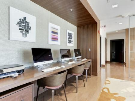 Resident Business Center   Luxury Apartments In Bethesda   Upstairs at Bethesda Row