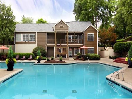 Sparkling Pool | Kennesaw Apartment | Greenhouse Apartments