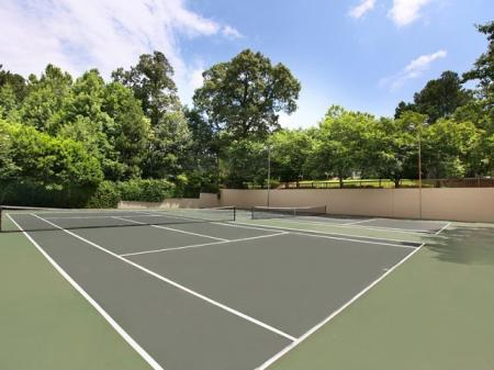 Community Tennis Court | Apartments In Kennesaw GA | Greenhouse Apartments