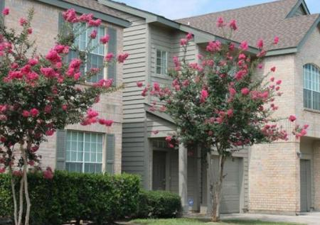 Apartment Homes in Houston | Chartwell Court Apartments 3