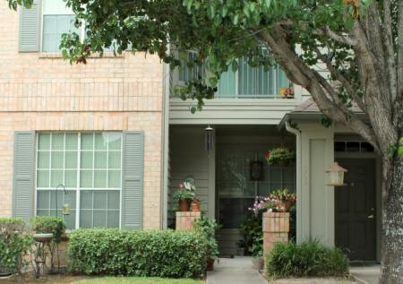 Apartments in Houston For Rent | Chartwell Court Apartments 3