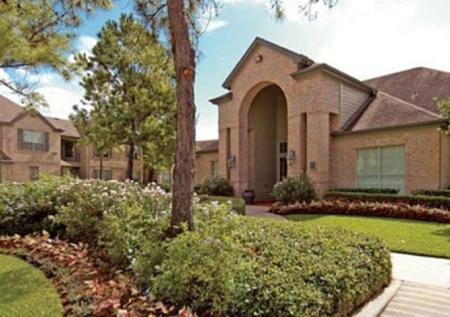 Apartment Homes in Houston | Chartwell Court Apartments