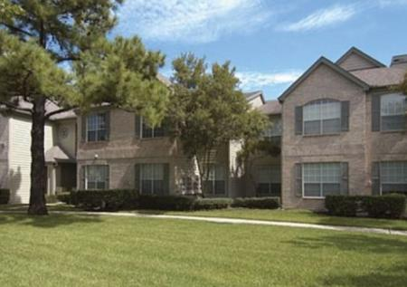 Apartment Homes in Houston | Chartwell Court Apartments 2