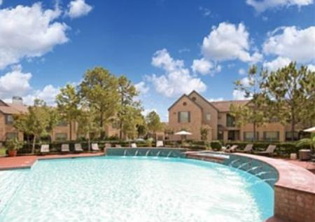 Swimming Pool at Chartwell Court Apartments