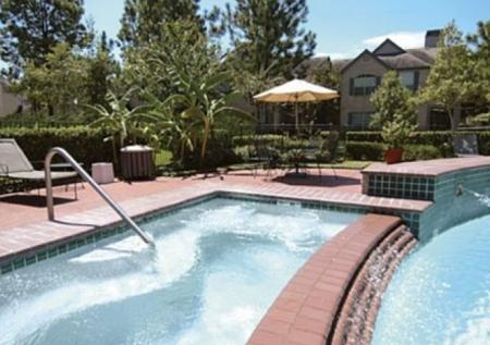 Swimming Pool at Chartwell Court Apartments 3