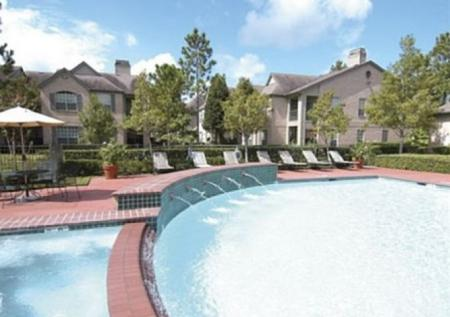 Swimming Pool at Chartwell Court Apartments 4