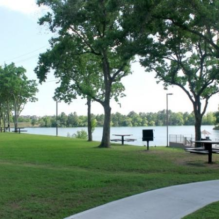 Apartment Homes in Houston | Reserve at Windmill Lakes