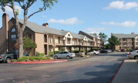 Apartments in Houston For Rent | Reserve at Windmill Lakes 2