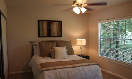 2 Bedroom Apartments | Reserve at Windmill Lakes