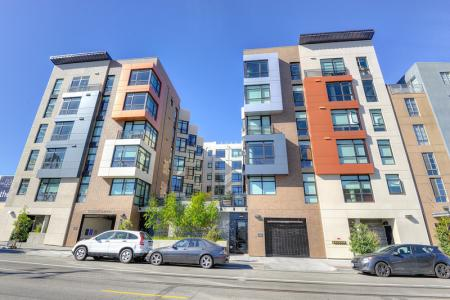 Apartment Homes in San Francisco | The Gantry 3