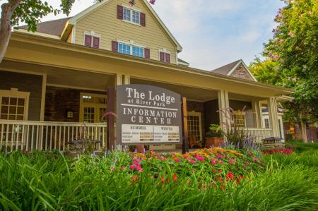 Apartments in Fort Worth Texas | The Lodge at River Park Apartments