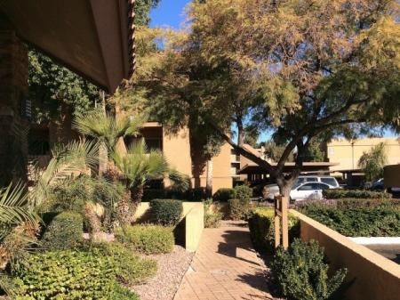 Apartments in Phoenix For Rent | Biltmore on the Lake3