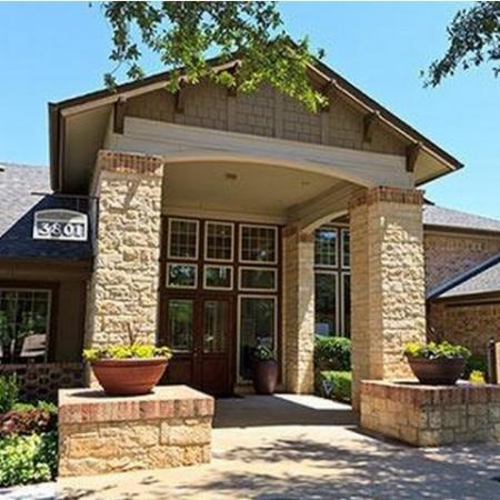 Apartment Homes in Plano | Somerset at Spring Creek