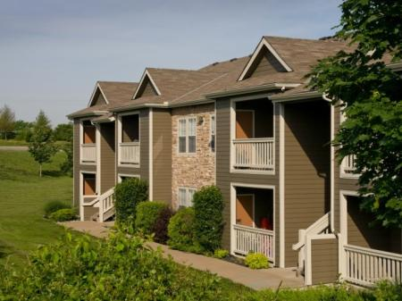 Apartments in Kansas City For Rent | Timber Lakes at Red Bridge 2