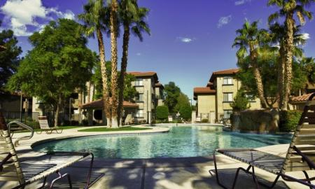 Resort Style Pool | Luxury Apartments In Tempe | The Palms on Scottsdale