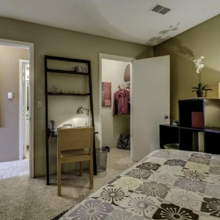 Luxurious Bedroom | Apartments In Thornton | Skyline