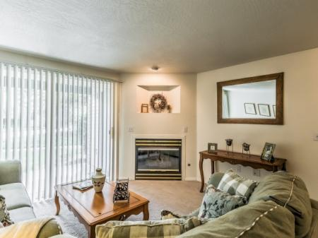 Elegant Living Room | Apartments For Rent In Boise Idaho | River Pointe