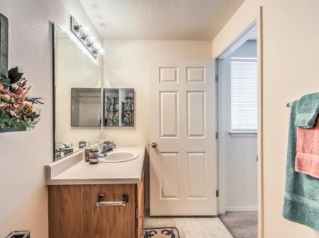 Spacious Bathroom | Apartments For Rent In Boise | River Pointe