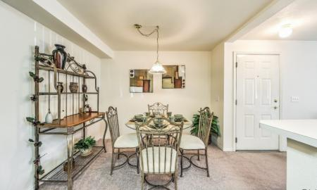 Spacious Dining Room | Boise Idaho Apartments | Rosewood Apartments