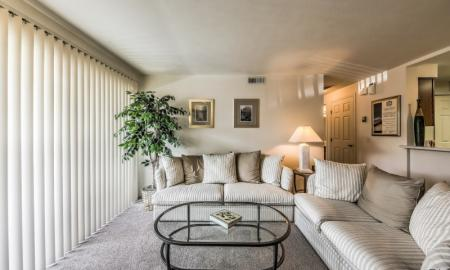 Spacious Living Room | Apartments For Rent In Boise Idaho | Rosewood Apartments