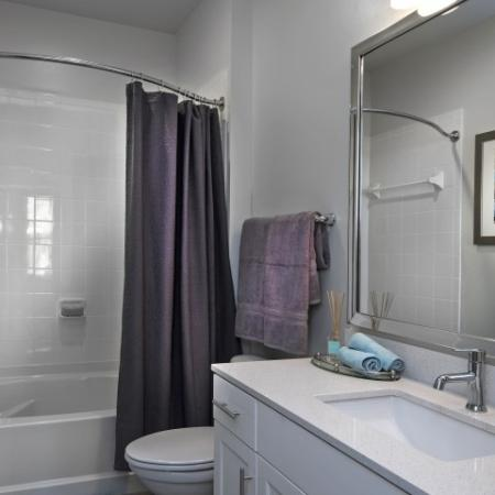 Spacious Master Bathroom | Apartments For Rent Near Louisville KY | Greystar