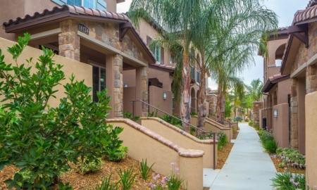 Apartments For Rent In Santa Clarita CA | Townhomes at Lost Canyon
