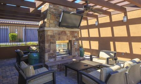Resident Sun Deck | Apartments in Santa Clarita California | Townhomes at Lost Canyon