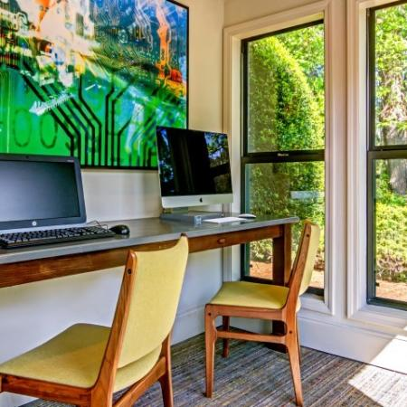 Friendly Office Staff | Apartment For Rent In Alpharetta GA | The Lakes at Windward