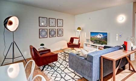 Spacious Living Area   Luxury Apartments In Seattle Washington   East Howe Steps