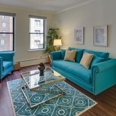 Spacious Living Room | North Chicago Apartments | The Seneca