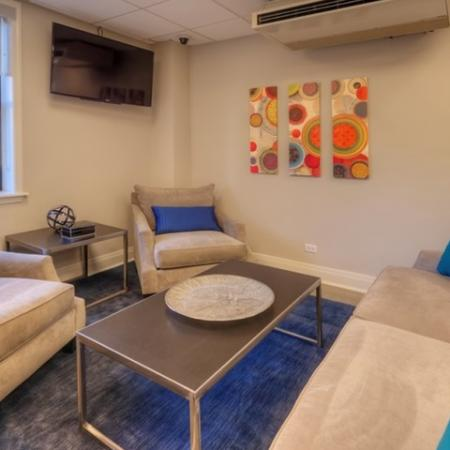 Spacious Resident Club House | Lincoln Park Chicago Apartments | The Seneca 3