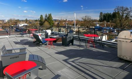 Community Sun Deck | Beaverton Apartment | The Rise Old Town