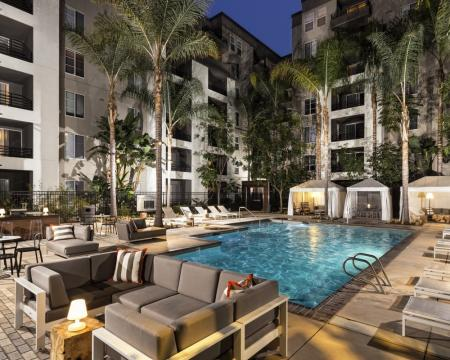 Swimming Pool | Luxury Apartments Santa Monica | AO Santa Monica 2