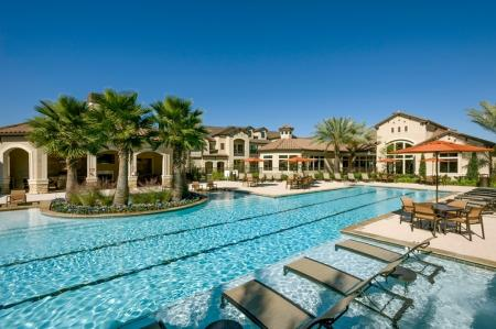 1 Resort Style Pool | Apartments In Houston | Valencia Place