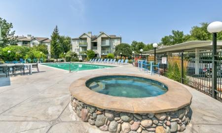 Resident Hot Tub | Boise Apartments | River Pointe