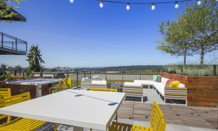 Community Sun Deck | Apartments For Rent In Bellevue Washington | LIV