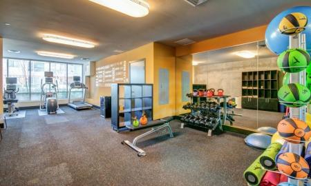 Cutting Edge Fitness Center | Apartments Bellevue WA | LIV
