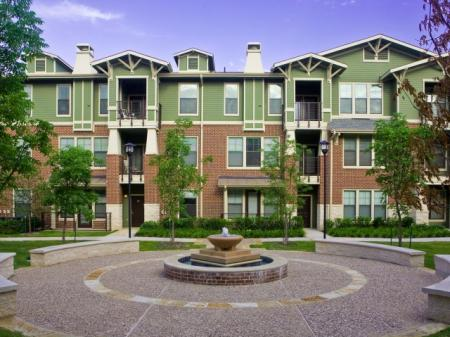 The Berkeley Luxury Apartments near Downtown Fort Worth TX