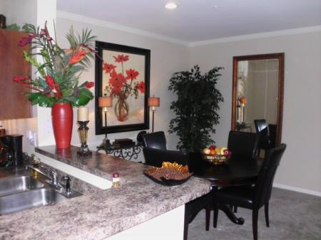 Grand Pointe dining room